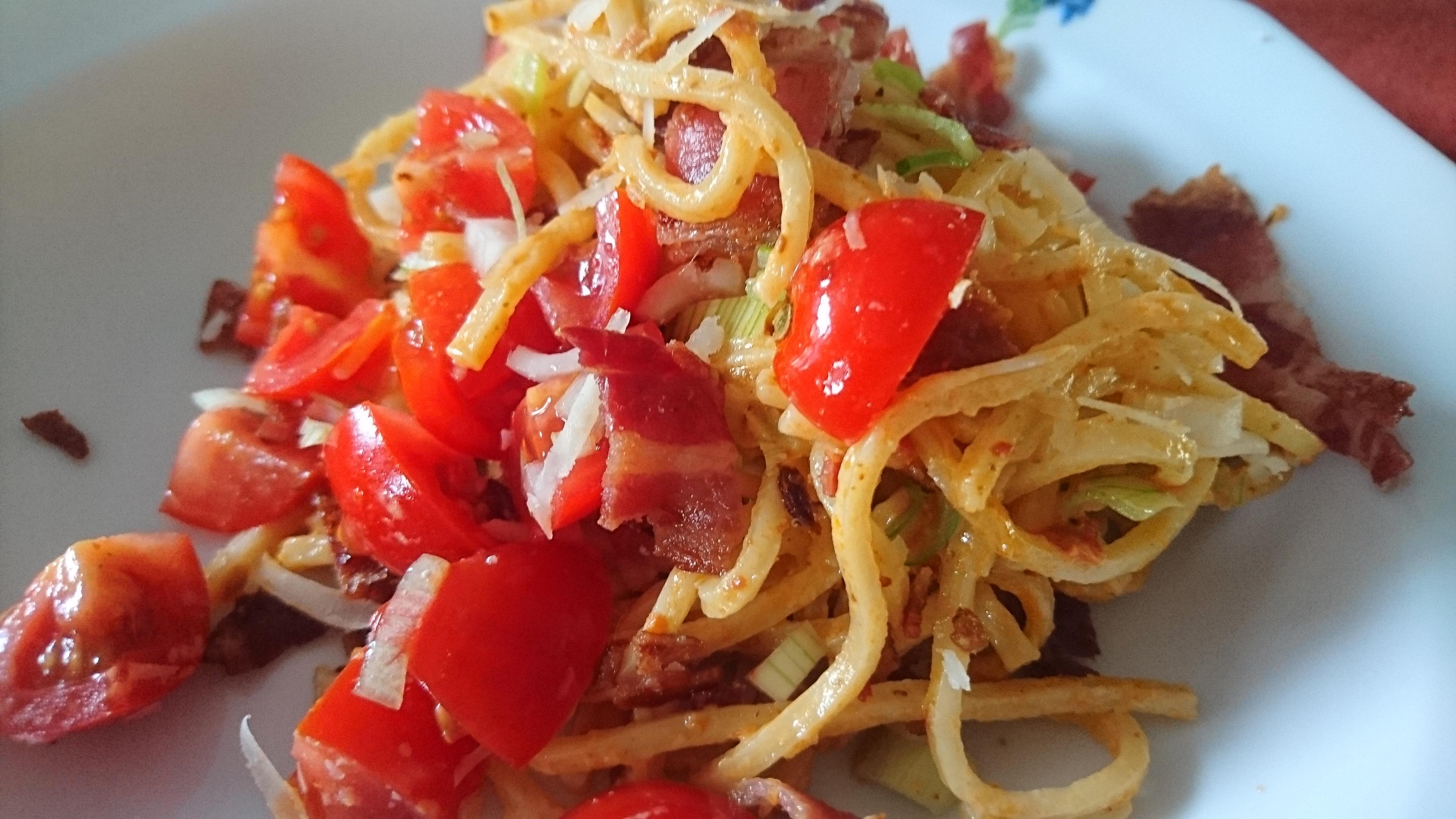 Snabb pasta med tomatpesto