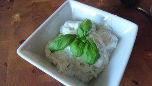Timjan- och basilikayoghurt