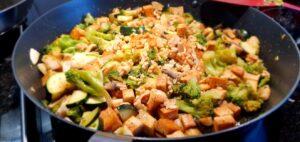 Läs mer om artikeln Stekta grönsaker med tofu
