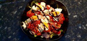 Mozzarella- och äggsallad