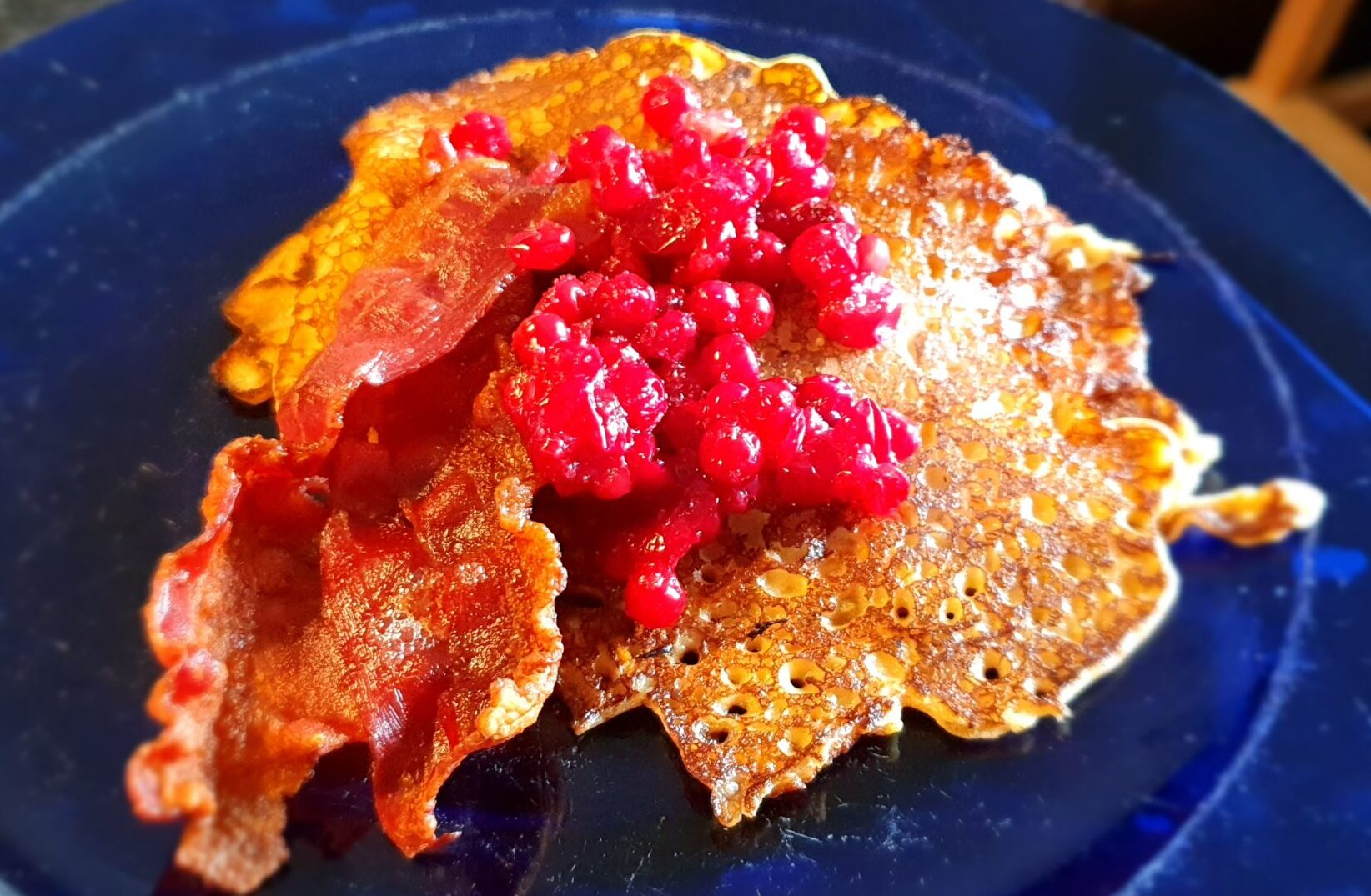 Läs mer om artikeln Morotsplättar med bacon och lingon